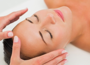 FitnWell Indian Head Massage in Staffordshire